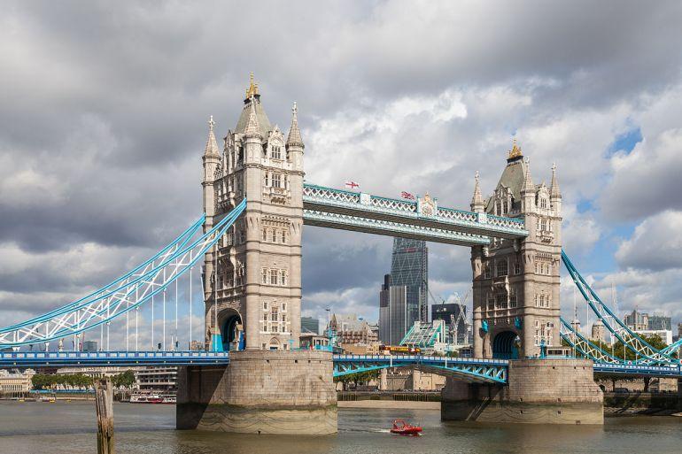 Puente_de_la_Torre,_Londres,_Inglaterra,_2014-08-11,_DD_092